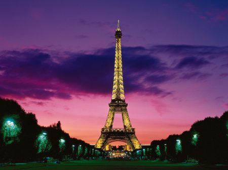 eiffel-tower-at-night_4166_1
